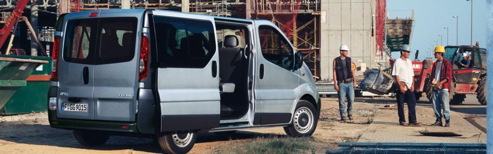 Opel_Vivaro_Commercial_Exterior_View_b_992x425_vi115_e03_508